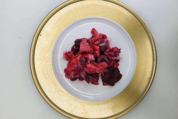 coratella di coniglio su piatto
